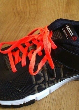 Kaufe meinen Artikel bei #Kleiderkreisel http://www.kleiderkreisel.de/damenschuhe/hallenschuhe/141971123-fast-neue-sportschuhe-von-reebok-fur-crossfit-oder-studio