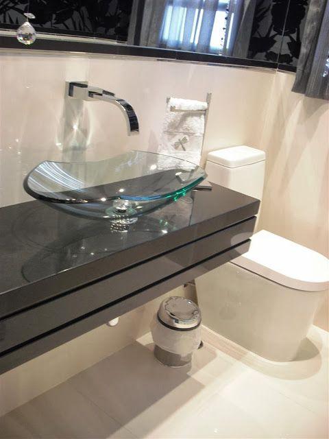 bancada de porcelanato estreita com cuba de vidro