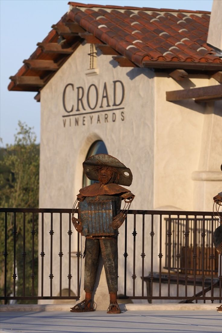 WINERY AND INN IN PASO ROBLES, CALIFORNIA. BED AND