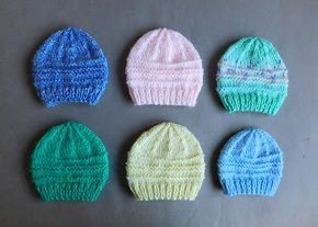 Another simple but effective little baby hat pattern for you to try -0-3 monthsor medium preemie...