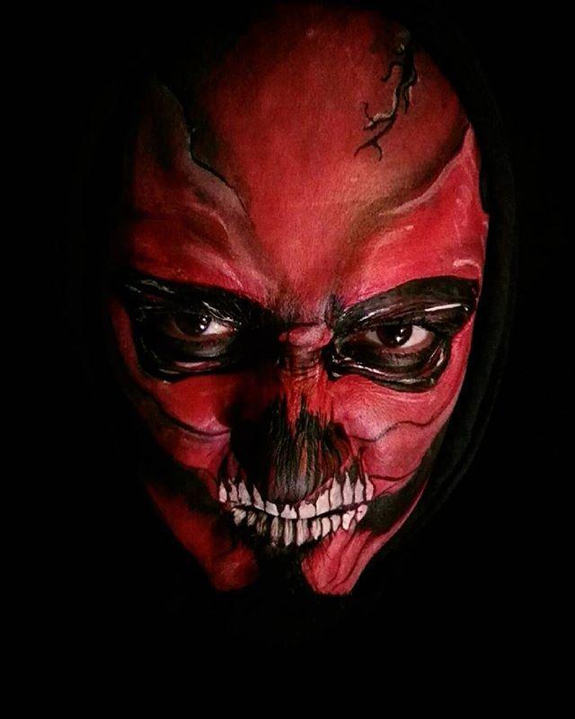 Al mal tiempo...¿Buena cara? #calavera #skull #demonio #demon #diablo #devil #death  #muerte #facepaint #pintacaras  #maquillajeartistico  #makeup  #superstar  #grimas  #kryolan #robot  #maquillaje #caracterizacion #halloween #facepaintersofinstagram #madrid