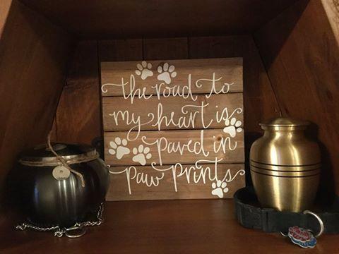 Sweet #sign for a #pet #memorial.  #urns #petmemorial #pawprints #furbaby #ultorreh