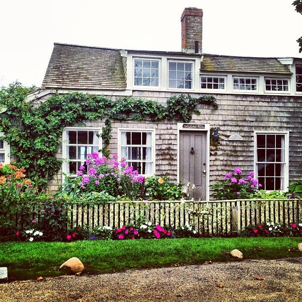 Classic #Nantucket digs. #sconset #cottage