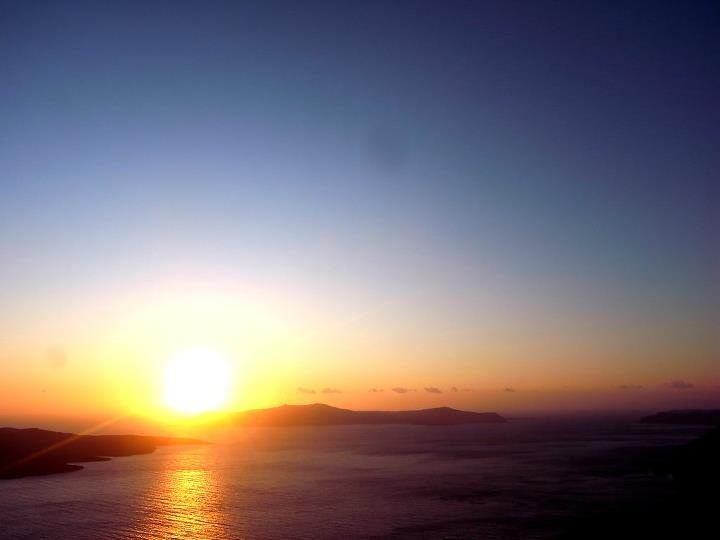Fira's sunset~ more clearly....... — at Thira, Santorini, Greece.