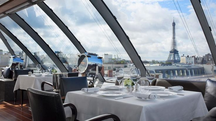 Peninsula - Located on the sixth floor of the hotel and serving up stunning views over Paris' most iconic monuments, complete with a retractable roof, is one of Paris' most stunning and unusual restaurants