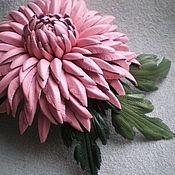 Χειροποίητα κοσμήματα.  Δίκαιη Masters - χειροποίητο ροζ hrizantema.Tsvetok του kozhi.Anna (AnnaFlowers).  Χειροποίητα.