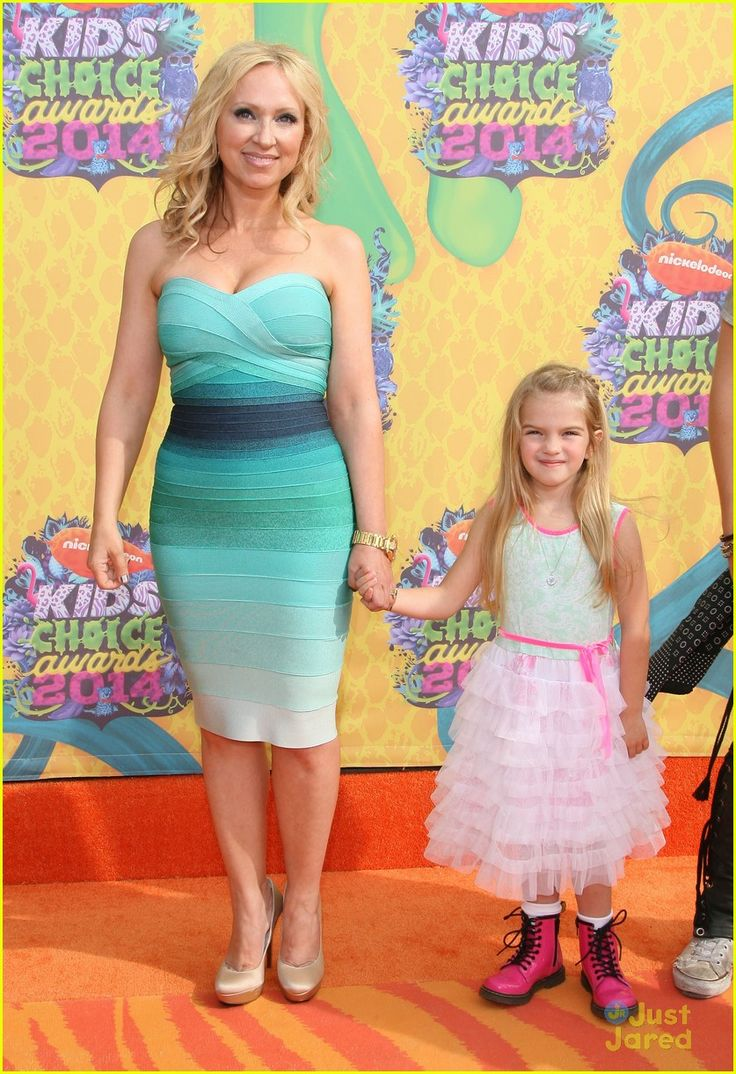 Leigh-Allyn Baker and Mia Talerico - Kids' Choice Awards 2014