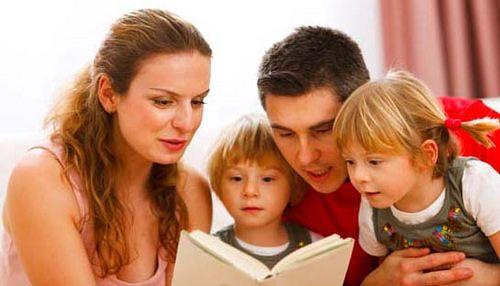 https://flic.kr/p/21CQxGH | LEITURA | Um dos maiores déficits da educação brasileira, é a falta de acompanhamento dos pais perante a leitura. Ler junto ao seu filho, comprar livros mais interativos que façam com que ela queria participar mais disso e claro, estar presente o tempo todo é tão importante quanto!  #leitura #educacao #kids #familia #livro #ebook #interatividade