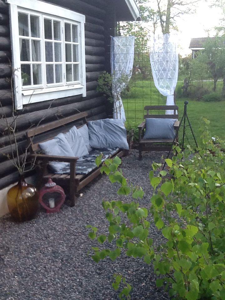 Trädgårdens vardagsrum. Garden rooms, rustic, cabin