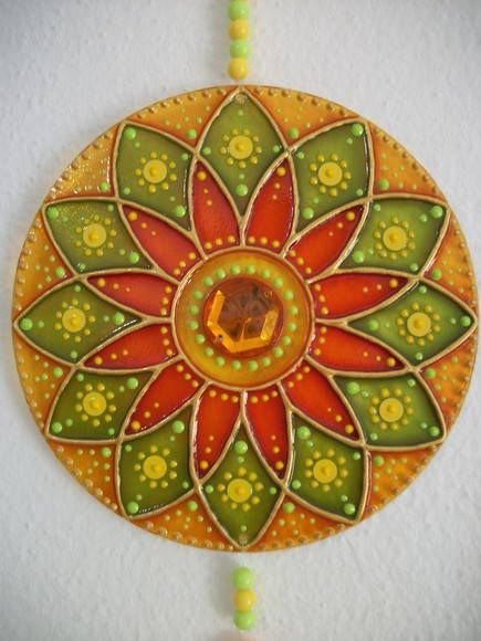 """""""MANDALA ENTUSIASMO: color anaranjado esta mandala refleja el entusiasmo impulsivo y vivacidad natural. Este color se adjunta a verde y amarillo trae buena salud, la vitalidad, la creatividad y la alegría, así como la confianza, el coraje, la animación, la espontaneidad y la actitud positiva hacia la vida. También se puede utilizar para activar la prosperidad en el medio ambiente."""