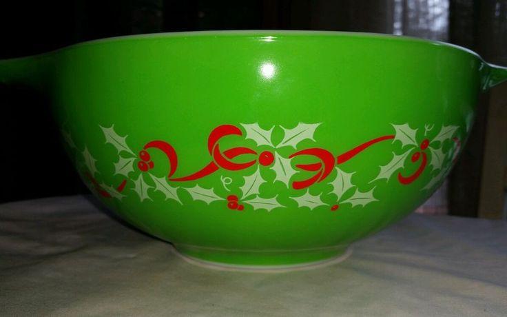Rare!! Rare!! Vintage Pyrex Christmas Holiday Bowl... 1950's, 60's....