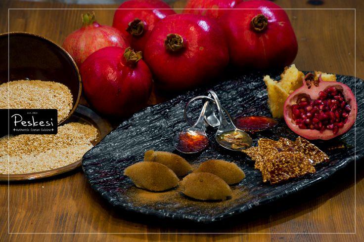 Το πεσκέσι έρχεται στο τέλος, να γλυκάνει τις αισθήσεις! Σιμιγδαλένιος χαλβάς, ραβανί, γλυκό κουταλιού τριαντάφυλλο, μέλι με καρύδια, παστέλι με σουσάμι και ρόδι.