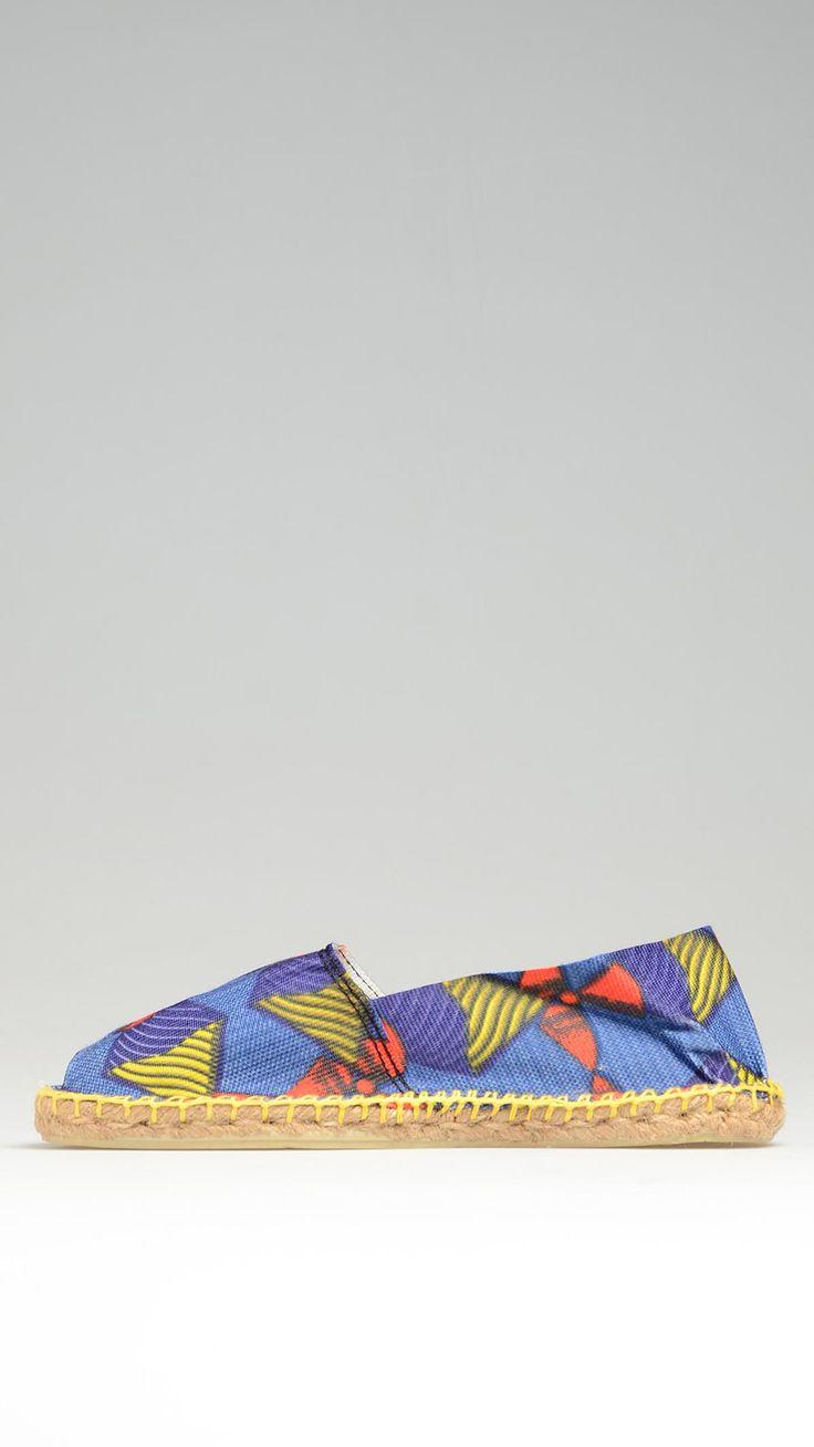 Espadrillas in canvas, suola in gomma, para in corda di juta intrecciata , Multicoloured canvas espadrillas characterized by rubber sole, jute rope detail on the platform, 100% cotton.