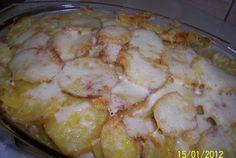 Cartofi cu piept de pui gratinati