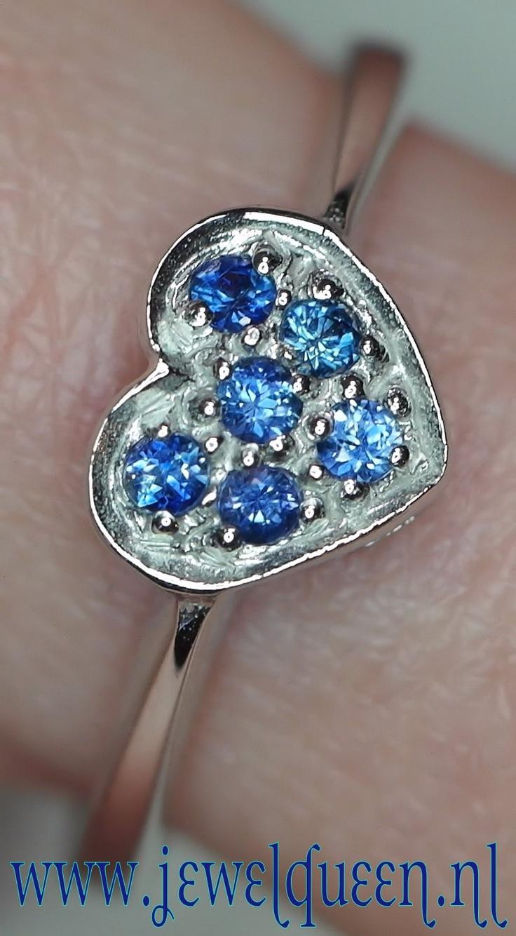 925 zilveren ring met top kwaliteit blauwe saffier, 100% natuurlijk, rhoduim finich       www.jewelqueen.nl