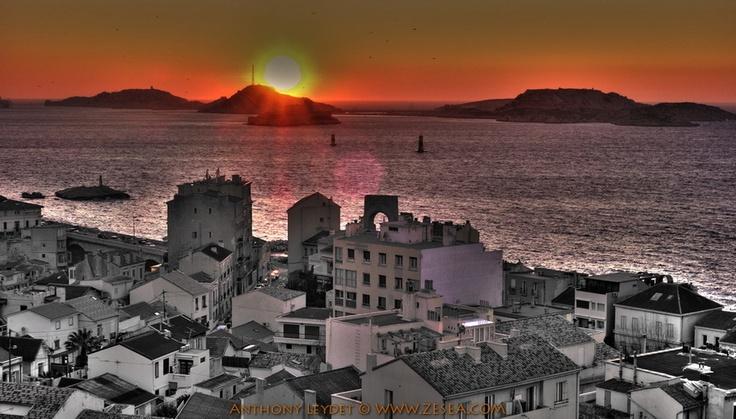 Orange sunset & black and white city #Marseille #HDR #sunset