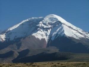 Volcán Chimborazo, la montaña más alta del Ecuador. Su combre es el punto más elevado desde el centro de la Tierra