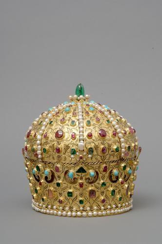 The crown Stefan Bocskai,Europe     - Romania. Persian c. 1600 Gold, rubies, spinels, emeralds, turquoises, pearls, silk H 23.2 cm, Diam. 18.8 cm-22 cm