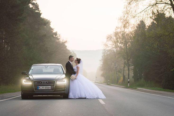 Kurz vor #Sonnenaufgang auf der Waldstraße. Da mussten wir einfach stehen bleiben und dieses #Bild machen. . . . #wedding#weddingday #photographer #weddingphotography #weddingphotographer #portrait #portraitphotography #hochzeitswahn #love #bride #brautundbräutigam #weddingphoto #braut #gjanzen #hochzeit #hochzeitsfotograf #hochzeitsfotografie #portraitfotografie #weddingtime #weddingdress #instawedding #groom #wife #beauty #justmarried #marriage #bestday #dress…