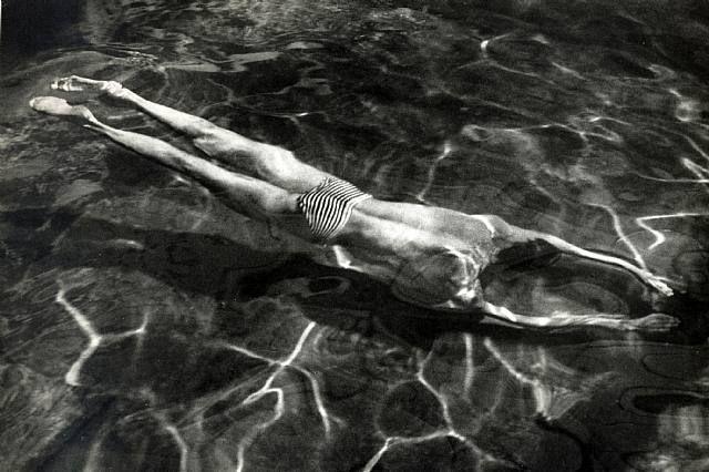 André Kertész ~ Underwater Swimmer, 1917