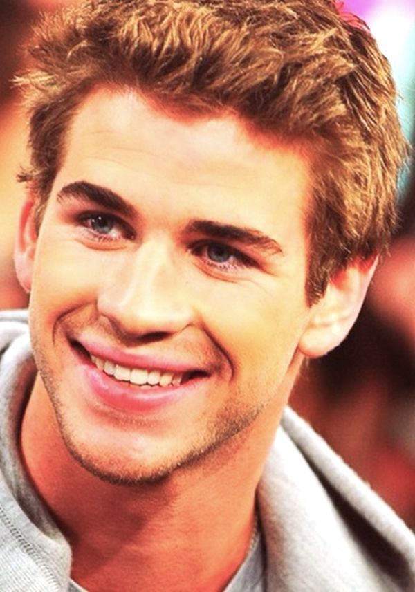 Liam Hemsworth..... Just beautiful