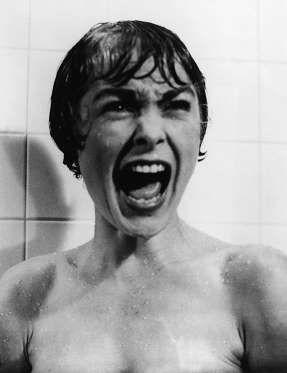 Hitchcock trataba el suspense de manera tan genial, que consiguió convertirlo en puro terror. Psicos... - ELLE.es