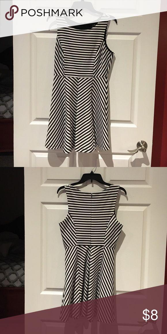 Black and white skater dress Black and white skater fit dress. Forever 21 Dresses