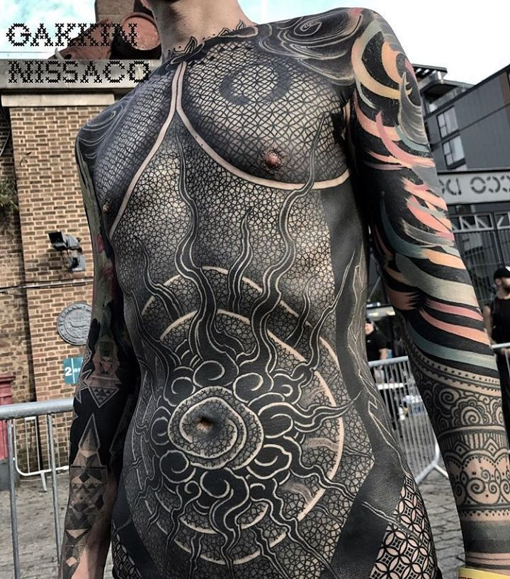 Superb Collaboration By Gakkinx Nissaco On This Full Front Piece Geometrictattoo Geometrychaos Geom Black Tattoos Solid Black Tattoo Geometric Tattoo