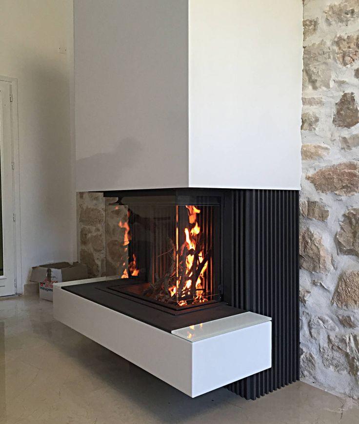 Cheminée gaz fermé 3 faces installé dans le Var Modèle Kalfire. Gas fireplace closed 3 faces installed in the Var Model Kalfire. Available on the 06 and 83 (Monaco, Nice, Cannes, Antibes, Grasse, St Tropez) in LYNN CHIMNEYS.