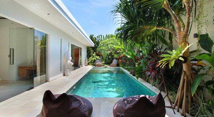 http://www.booking.com/hotel/id/villa-kallayaan.en-gb.html?aid=850097