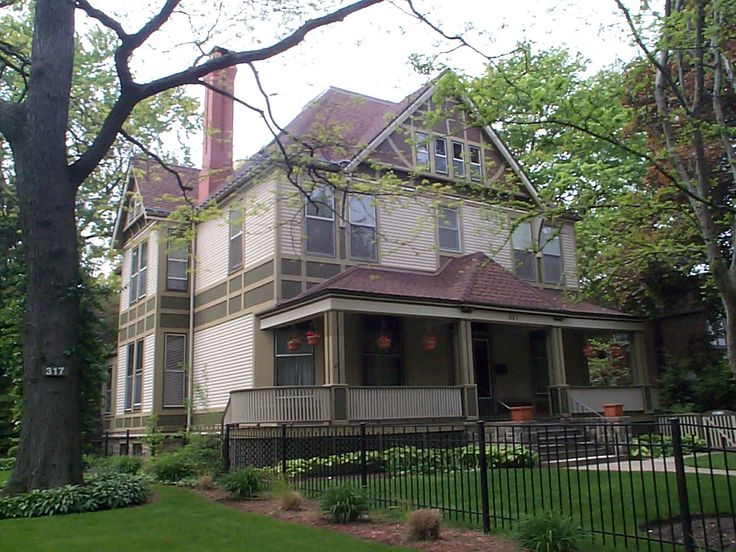 Smith House 404 South Home Avenue Oak Park IL 1896 Shingle Frank Lloyd Wright George Was A Salesman For The Chicago Firm Marshal