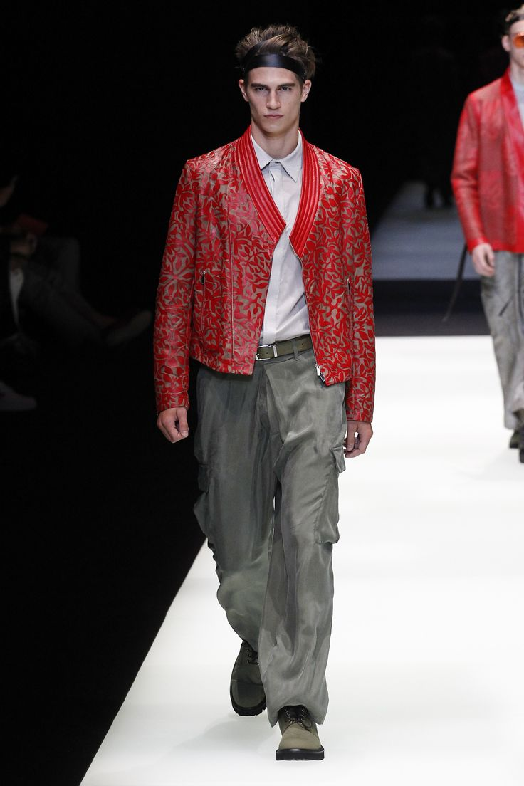 Emporio Armani Spring 2018 Menswear Collection Photos - Vogue