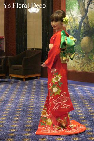 明るい赤のお着物にあわせるピンク白緑のヘッドドレス Ys Floral Deco @ウェスティンホテル東京