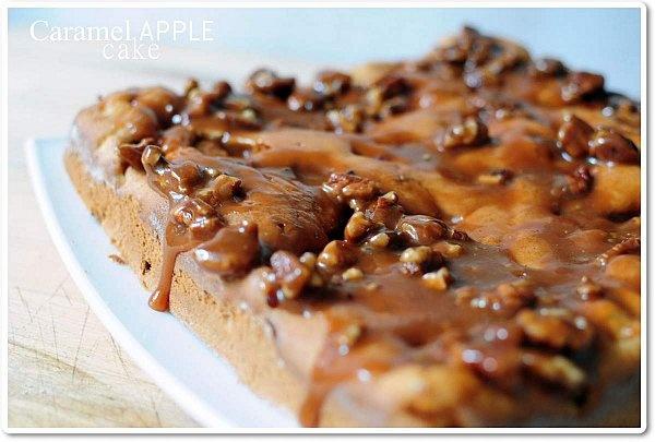 Gateau réconfortant aux pommes et caramel Ou encore caramel apple cake with caramel topping