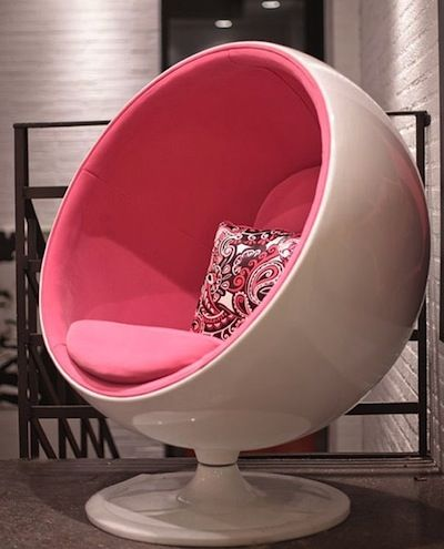 Another cool Pink Pink Pink chair...