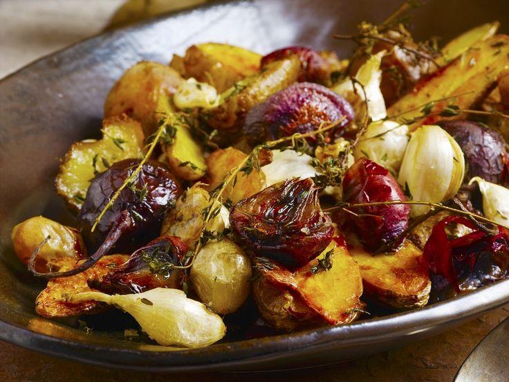 Ofengemüse mit Knoblauch und Thymian - smarter - Kalorien: 315 Kcal - Zeit: 30 Min. | eatsmarter.de