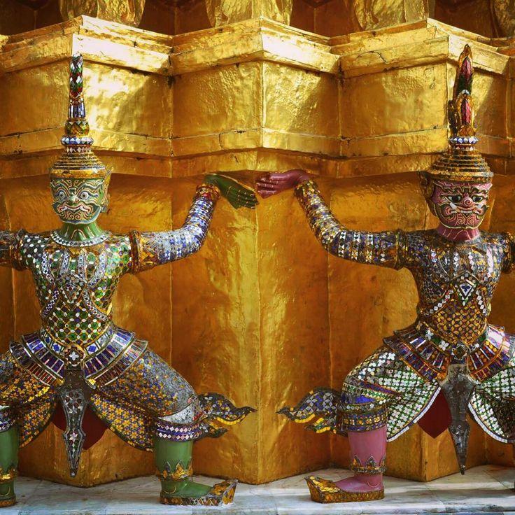 Thai sacred giants #grandpalace #bangkok #thailand #southeastasia #asia #ancient #art #buddha #buddhism #colour #sculpture #carving #gold #pagoda #temple #history #religion #demon #giant #travel #traveler #traveling #travelgram #instatravel #wanderlust #tb #tbt http://tipsrazzi.com/ipost/1522349696511759952/?code=BUgePu0gdZQ