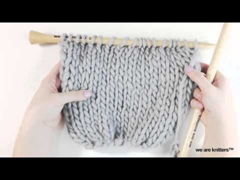 How to knit a Magic Scarf - WE ARE KNITTERS. Turn your volume off, the music is very annoying, but a cool idea