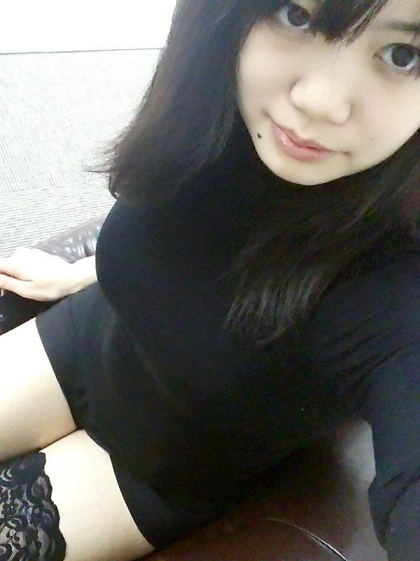 黒田みこ おっぱい 着衣