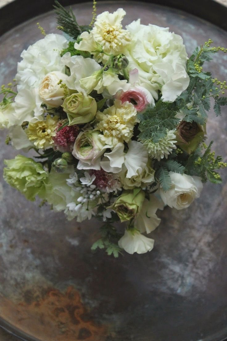 Staff blog: 1月の店内と花