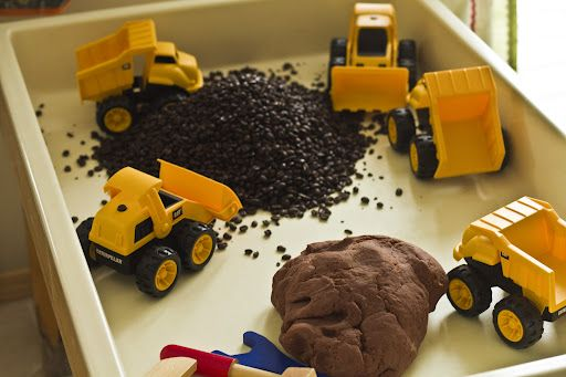 "BIG Builders - diggers, large bag of cheap coffee beans, wooden play tools & chocolate playdough ("",)"