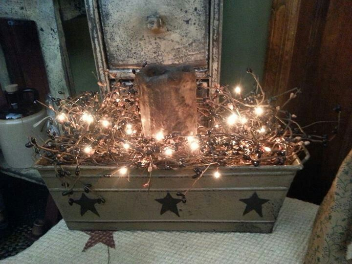 Primitive centerpiece by Winks Wood Barn.  Like us on Facebook.