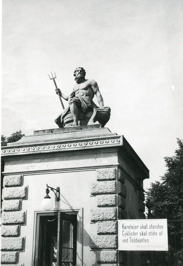 Kongeporten, 1955. Forbandt Ndr. Toldbod med Sdr. Frihavn.