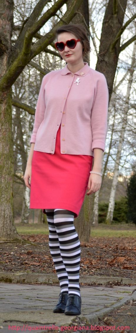 Think pink!   1960s fashion inspired outfit   fashion blogger   Georgiana Quaint   Twiggy era   stripes on tights   pink dress   See more pics: http://quaintrelle-georgiana.blogspot.cz/2017/02/think-pink-ootd.html