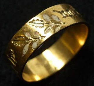 Medieval ring from Sandal Castle - the inscription reads 'I'm all yours' in medieval French