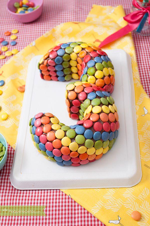 tarta casera con número para cumpleaños