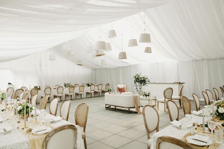 Decorating the Tent - Kelly Brown Photography