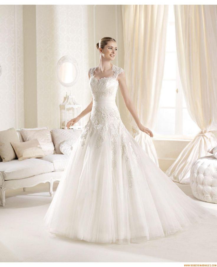 Robes de mariée tulle application dentelle manches courtes détachable