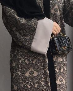 Brokar #ferace #sipariş #whatsapp #05435673801 veya #shop #online at feradje.com #FERADJE #instafashion #instagram #hijabi #hijabhigh #hijabfashion #hijabilookbook #fashionblogger #fashionmodesty #modestchique #modest #tasarım #moda #ootd #ferace #ferrace #abaye #abaya #tesettür #trendy #dgabaya