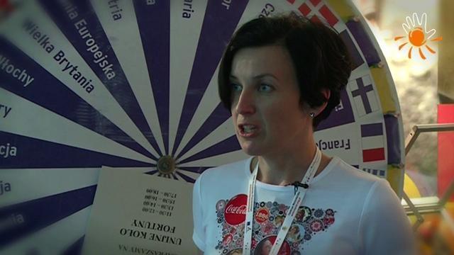 Anna Ruszczak - Kierownik ds. Komunikacji, Coca-Cola HBC Polska  Dzień Wolontariatu Pracowniczego w ramach Pawilonu Europejskiego Roku Wolontariatu 2011 (EYV 2011 Tour). Warszawa, Plac Defilad, 7.09.2011